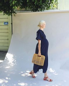 4345664888406 Introducing the Storq Caftan. For pregnancy