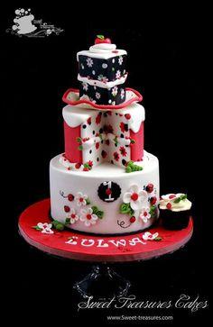 Ladybug Love - Cake by Sweet Treasures (Ann) - CakesDecor Pretty Cakes, Beautiful Cakes, Amazing Cakes, Torta Angel, Cake Pops, Ladybug Cakes, Fantasy Cake, Just Cakes, Girl Cakes