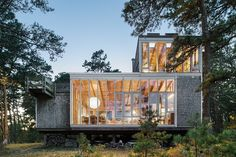 It's an architectural dream: Restored modernist houses are available as summer vacation rentals on Cape Cod. Cape Cod, Between The Oceans, Beach Cottages, Architectural Digest, Renting A House, Modern Rustic, House Design, House Styles, Marcel Breuer