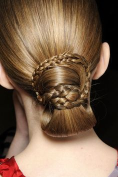 braids & looped style
