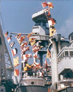 Deck flags on USS Texas tower Uss Texas, Capital Ship, United States Navy, Kingfisher, Battleship, Us Navy, Outdoor Camping, World War Ii, Wwii