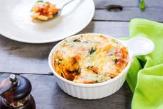 Try our delicious Tomato and Spinach Pasta Bake recipe as part of your weight loss diet plan. Join your nearest Unislim class for more recipes, advice and support! Unislim Recipes, Baked Pasta Recipes, Healthy Recipes, Spinach Pasta Bake, Creamed Spinach, Slimming Recipes, How To Cook Pasta, Cherry Tomatoes, Casserole Dishes