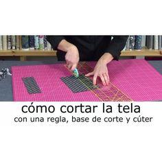 Video tutorial para cortar bien las telas de patchwork y costura creativa Outdoor Blanket, Kids Rugs, Quilts, Sewing, Fabric, Crafts, Google Translate, Diy, Base