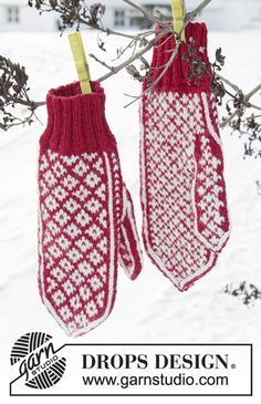 Christmas magic hands / DROPS Extra - free knitting patterns by DROPS design Knitted mittens with multicolored Norwegian pattern for Christmas. The piece is worked in DROPS Karisma. Christmas Knitting Patterns, Knitting Patterns Free, Free Knitting, Crochet Patterns, Knitted Mittens Pattern, Knit Mittens, Knitting Socks, Drops Design, Drops Karisma