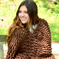Your Lifestyle by Donna Sharp Chunky Knit Throw - Overstock - 21529411 Shabby Chic Material, Most Comfortable Sheets, Online Bedding Stores, Chunky Knit Throw, Knitted Blankets, Throw Blankets, Affordable Bedding, H Style, Bed Styling