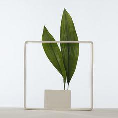 "Andrea Branzi Vase Portale n°17 Collection ""Portali"", 2006 Edition Superego http://www.branzibordeaux.fr/F/index.php"