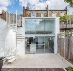 De Beauvoir Residence by Neil Dusheiko Architects 1