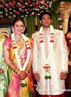 Wedding Garlands, Wedding Album, Celebrity Couples, Sari, Celebrities, Classic, Beautiful, Jewelry, Fashion