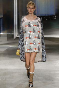 http://www.vogue.ru/collection/spring_summer2016/menswear/milan/Prada/