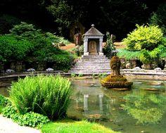 Sezincote Garden. Cotswolds, England.