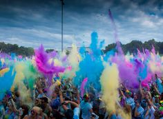 The Holi Festival Of Colours tour is back with a bang and will be more colourful than ever! Holi Festival India, Holi Festival Of Colours, Merida, Picture Video, Pictures, Painting, Art, Party, Partying Hard