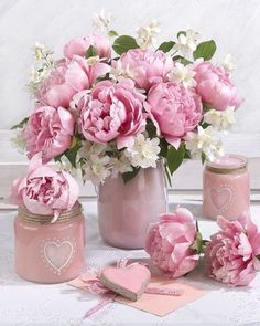 - Growing Peonies - How to Plant & Care for Peony Flowers Beautiful Flower Arrangements, Pink Flowers, Pretty In Pink, Floral Arrangements, Beautiful Flowers, Creative Flower Arrangements, Pink Peonies, Peony, Decoration Plante