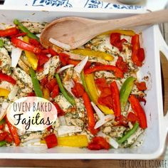 {Weekend Slim Down} Skinny Chicken Fajitas - Healthy and easy oven baked chicken fajitas! made with greek yogurt marinade! Healthy Chicken Fajitas, Chicken Fajita Recipe, Chicken Recipes, Oven Baked Fajitas, Oven Baked Chicken, Lean And Green Meals, Cooking Recipes, Healthy Recipes, Mexican Food Recipes