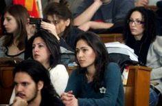 Την διαγραφή 180.000 φοιτητών εάν δεν ολοκληρώσουν τις σπουδές τους μέχρι τον ερχόμενο Ιούνιο ζητά το υπουργείο Παιδείας