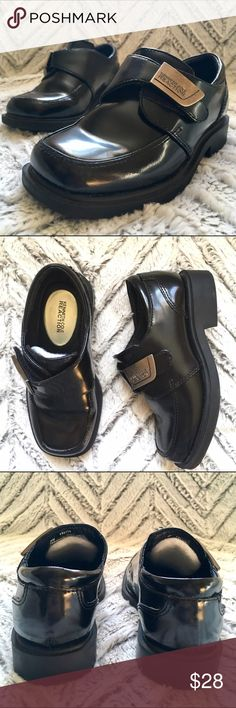 Kenneth Cole Reaction Boys' Leather Dress Shoes 10 Kenneth Cole Reaction Boys' High Gloss Leather Dress Shoes, size 10. In excellent pre-owned condition. There are foam inserts adhered to the tongues of the shoes for comfort.  🎀Search my closet for your size 🎀BUNDLE and SAVE! 🎀REASONABLE offers WELCOME 🎀NO TRADES NO HOLDS 🎀Thank you for stopping by!❤️ Kenneth Cole Reaction Shoes Dress Shoes