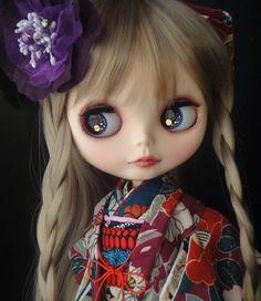 Blythe dolls in kimonos