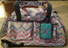 Thirty One Gifts...New rolling weekender hostess exclusive. Host a party and earn this awesome suitcase!