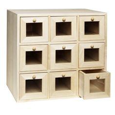 Träbyrå 9 lådor med fönster. Minibyrå, av trä, 34x31 cm, djup 20,5 cm. Art nr 450052 Panduro.se