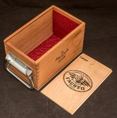 Fausto deck box with handle Cigar Box Crafts, Wooden Cigar Boxes, Deck Box, Wooden Decks, Red Felt, Magic The Gathering, Your Cards, Container, Projects