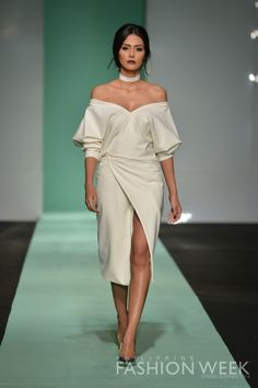 Vania Romoff | Philippine Fashion Week  I have a new fave.