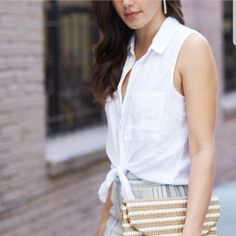 Would love this kind of versatile sleeveless tops. So easy to dress it up and down. A must-have for my wardrobe staple.