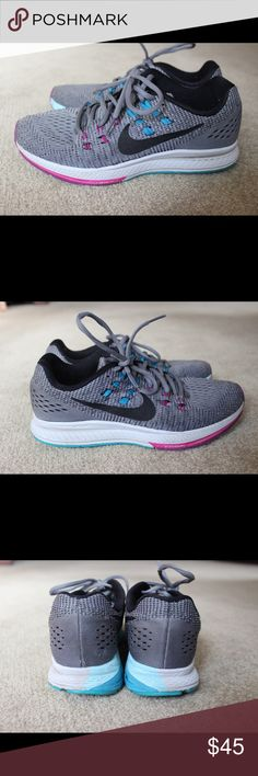 Gray Nike Zoom Sneakers! Used, but still in good condition! Nike Shoes Sneakers