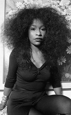 Pretty Black Girls, Beautiful Black Women, Beautiful People, Shaved Head Designs, Chaka Khan, Vintage Black Glamour, Black Actors, Hip Hop And R&b, Brazilian Body Wave