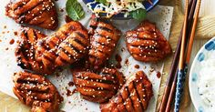 under 500 cals per serve. Light up the barbie with this char-grilled, Korean-inspired chicken served with a pickled cabbage salad. Chicken Pickle, Chicken Spices, Barbecue Chicken, Meals Under 500 Calories, 500 Calorie Meals, Calorie Diet, Korean Chicken, How To Cook Chicken, Organic Dinner Recipes