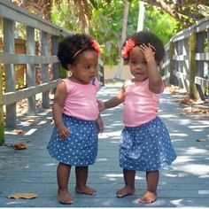 These twins are adorable, they are too cute