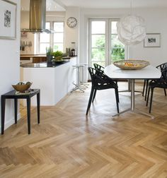 Junckers Solid Oak Single Stave Blocks parquet floor - an updated version of a much-loved classic with longer than average staves