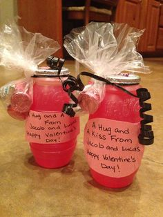 Class Valentines Day Treats... A hug and a kids for Valentines Day!