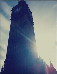 Big Ben in the looks of a bad Sony Ericsson camera.