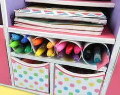 DIY: Beautiful Desk Organizer from Cardboard - Art & Craft Ideas Diy Stationery Organizer, Stationary Organization, Desk Organization Diy, Diy Desk, Organizing, Cardboard Organizer, Cardboard Crafts, Paper Craft, Diy Magazine Holder
