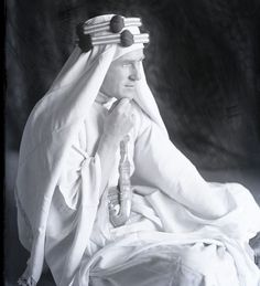 a biography of colonel te lawrence lawrence of arabia Information about the life of t e lawrence  name of colonel lawrence,  through work on lawrence of arabia, the authorised biography and the ongoing castle.