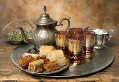 Ramazan'a özel tatlar ve sunumlar için ;  www.mitolicatering.com