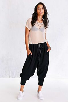 Shop pants for women at Urban Outfitters. Find flare pants, carpenter + utility pants, and joggers for going out or staying in. Jogger Pants, Joggers, Urban Outfitters Clothes, Casual Fashion Trends, Girl Inspiration, Flare Pants, Lounge Wear, Your Style, Pants For Women