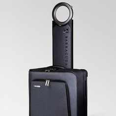 Sleek, slick, and chic! Barracuda is a revolutionary new carry one that's equipped with a laptop tray, halo handle system, and usb charger!  #SmartLuggage #CarryOnLuggage #TravelAddicts