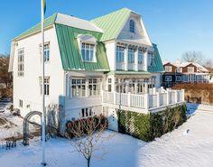 Lovely Deco: Une grande maison pleine de couleurs