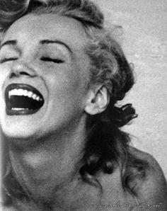 Marilyn Monroe's smile. Priceless.