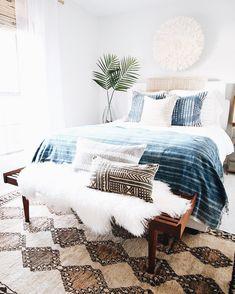 Home Decoration Ideas Vintage .Home Decoration Ideas Vintage Bedroom Themes, Home Decor Bedroom, Modern Bedroom, Bedroom Ideas, Modern Beds, Bedroom With Couch, Calm Bedroom, Clean Bedroom, Bedroom Rustic