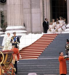 .The newlyweds their HRH Prince & Princess of Wales make their way down the steps of St. Paul's Cathedral after their wedding to their awaiting horse-drawn carriage.