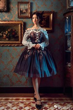 Almost Bavarian, but much prettier! Style Lolita, Mode Lolita, Lolita Goth, Lolita Dress, Gothic Lolita Fashion, Harajuku Fashion, Kawaii Fashion, Cute Fashion, Fashion Outfits