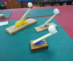 A Very Simple Catapult to Make With Kids crafts for kids for teens to make ideas crafts crafts Kids Crafts, Projects For Kids, Diy And Crafts, Stick Crafts, Craft Sticks, Simple Crafts, Stem Projects, Fair Projects, Creative Crafts