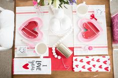 Galentine's Party Decor // How to party decor // how to table scape // table setting for Valentine's Day // Valentine's Day Party ideas // Valentine's Day Party Decor // Positively Oakes // Jess Oakes // Basic Invites // Valentine's Day invites // cute wedding invites // simple invites // Valentine's Day invitations // party decor tips