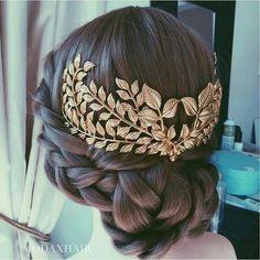 Wedding Updo, Wedding Hair Accessories, Bridal Hairstyle, Wedding Planning Tips, Bride, Wedding Decorations, Wedding Decor, Wedding, - Charming Grace Events www.charminggrace...