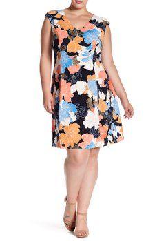 0162386120869 London Times - Japanese Flower V-Neck Dress (Plus Size)