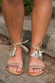 Good As It Glitz Sandals, Gold || These gold shiny sandals are as good as it gets!! Especially since they also have tassels! Glitter and tassels automatically make these a winner!!