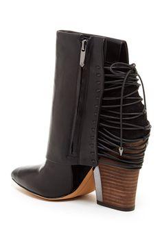Martina Boot