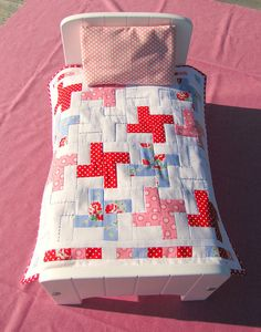 Doll's quilt with pillow