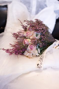 Wedding Details, Floral Wreath, Wreaths, Photography, Home Decor, Photograph, Decoration Home, Room Decor, Fotografie